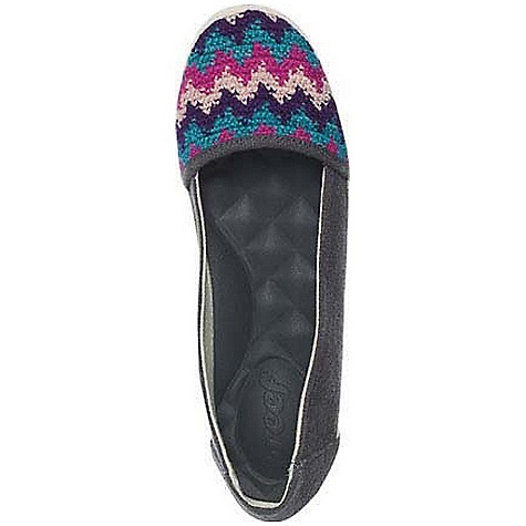 Surf Free Shipping. Reef Women's Costa Capri Shoe DECENT FEATURES of the Reef Women's Costa Capri Shoe Hemp upper features hand-crocheted applique from Guatemala Mattress-inspired quilted PU foam footbed with anatomical arch support Durable rubber outsole with jute inlay - $63.95