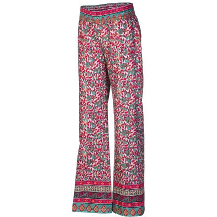 Surf When the ocean breeze kicks up at the beach or when the clouds roll in at the pool, your girl can reach into her beach bag and pull out the Billabong Girls' Beachfront Pant. - $24.67