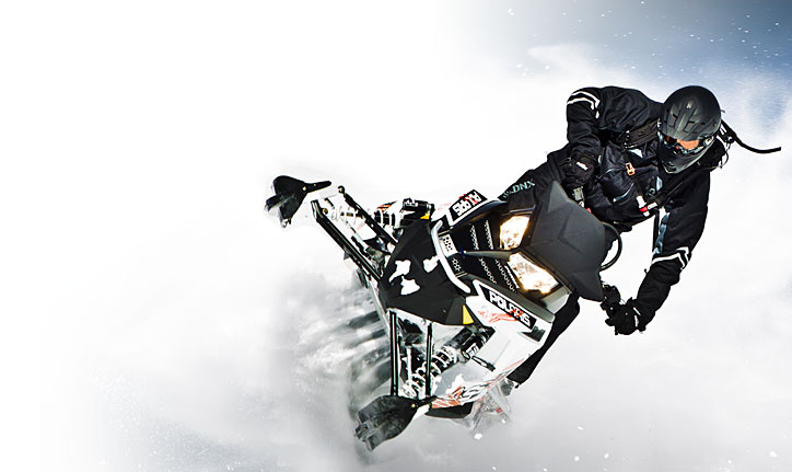 Snowmobile Polaris 800 RMK Assault 155