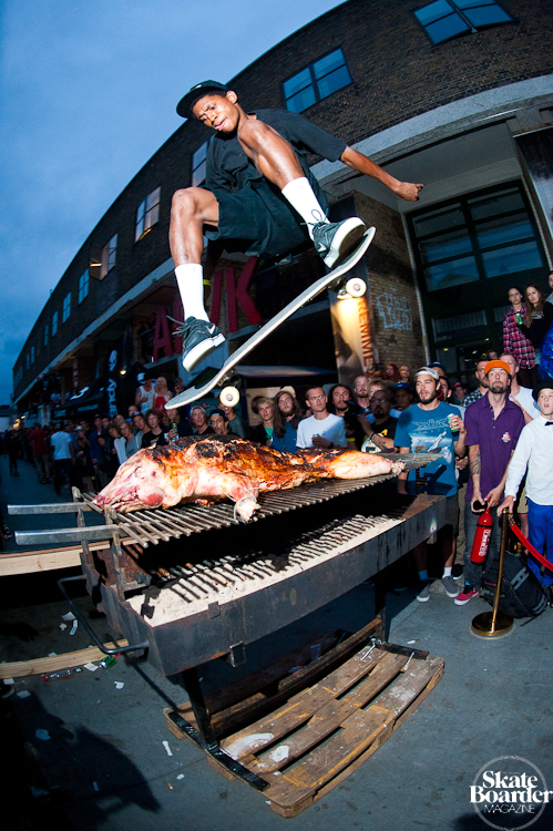 Skateboard Ishod Wair - pig roast fly over