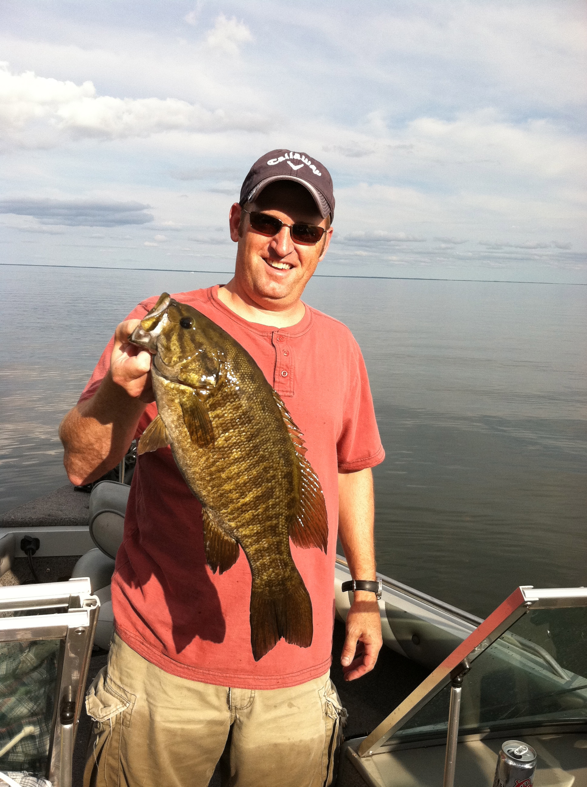 Fishing this years best smallie so far, 18.5 inch Mille Lacs 2012