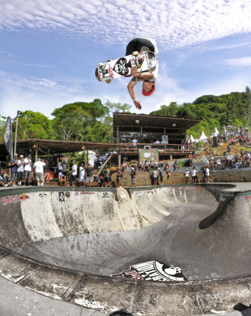 Skateboard red bull skate generation