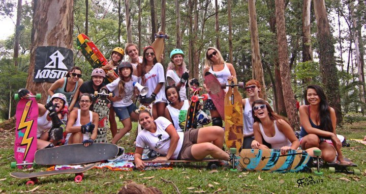 Skateboard The girls in Sao Paulo held this amazing event in Parque do Ibirapuera, Marquise, this past Saturday. They had an awesome day full of skate, pic-nics, best trick challenge and some serious pushing. Looks like fun!  Pic Rui Franklin