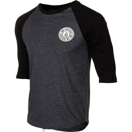 Surf Go for a more casual look and feel when you hit the break in the Volcom Band Surf Men's 3/4-Sleeve Rashguard. This baseball-inspired surf tee has a looser fit for a streetwear look that still dries quickly and has plenty of stretch to paddle freely. - $29.45