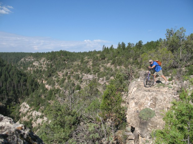 MTB The rim of Walnut Canyon - northern Arizona