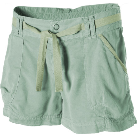 The minute your flight lands, you rush to the ladies room, change out of your jeans and into the Carve Designs Women's Mesa Short. After hours of flying, you're finally in the tropics and ready to sport this cute, relaxed-fit short. You totally look as if you belong here ... well except that your lack of a tan is a dead giveaway that you're a tourist. - $75.95