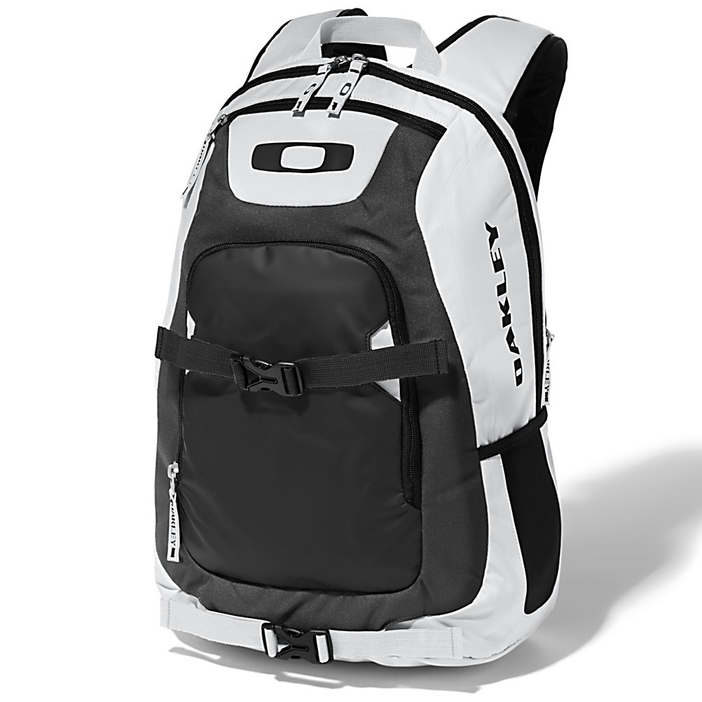 Ski Oakley Streetman Pack Backpack 2013 - The Oakley Streetman Backpack is essential for any medium day packer or an avid skater. Dual skate strap keep you board out of your hands. Tarp-lined wet/dry back panel makes this perfect from going from beach to street. Water bottle and sunglass pocket easily accessible. 27L in capacity allows for storage of whatever floats your boat. The Oakley Streetman Backpack is going to be your new best friend. . Number of Pockets: 4 Pockets, Gear Volume: 27L, Laptop Sleeve: Yes, Laptop Size: 15 Inches, Sunglass Pocket: Yes, Recommended Backpack Use: Street, Model Year: 2013, Product ID: 303838, Category: Backpacks - $65.00