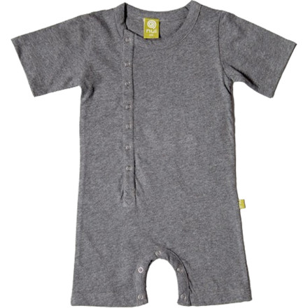 The super-soft and breathable Nui Organics Cinco Romper offers incredible comfort and mobility for tiny limbs. The Cinco's sleeves and pant legs reach to the elbows and knees, respectively, while the snap-closure front and bottom openings make clothing and diaper changes less of a struggle. - $34.95