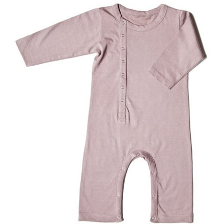 The Nui Organics Una Romper offers full-length coverage while still giving developing hands and feet the freedom to move freely. Organic cotton fabric wraps your child in comfort while the easy-access snap-closure design makes diaper and clothing changes less of a hassle. - $38.95