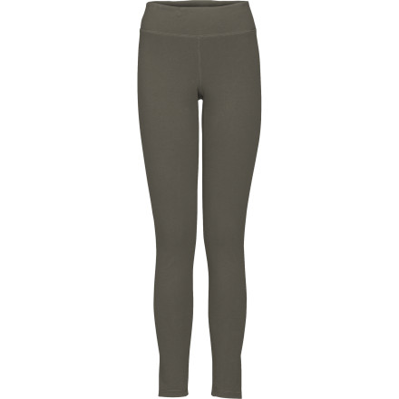 You have your favorite skirt on but, when you walk outside, you realize it is, in fact, fall. Dash back inside, pull on The North Face TNF Legging, and hop back outside. This midweight legging keeps your gams warm when the weather turns chilly. - $54.95