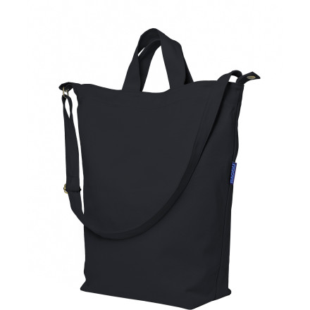 Hunting The perfect tote for everyday use, the BAGGU Duck Bag can hold everything from your books and laptop when you're headed off to school to fresh produce when you come back from the market. An adjustable shoulder strap and carrying handles provide multiple carrying options to match your lifestyle. - $23.95