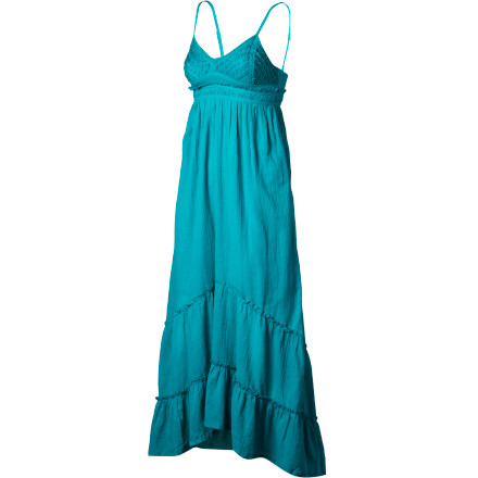 Surf Enjoy the warm summer evenings in the Billabong Railroad Run Women's Maxi Dress. It has a flowy look and feel with a light cotton fabric that will keep you cool and comfortable whether you're at a poolside party or taking a sunset stroll down the beach. - $59.45