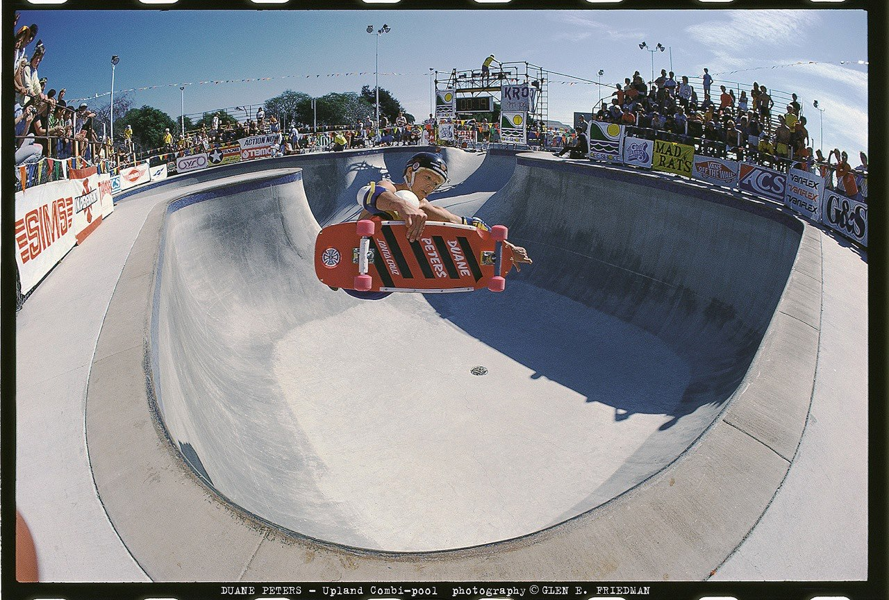 Skateboard Duane Peters - corner air at Gold Cup / Pipeline Combi
