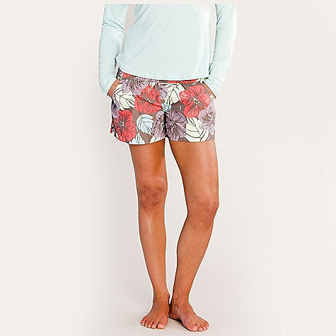 Carve Designs Women's Surfside Short DECENT FEATURES of the Carve Designs Women's Surfside Short Low front rise Relaxed fit through leg Pull-on styling with elastic waistband Front hand pockets, back welt pocket The SPECS Inseam: 3in. 4 oz Brushed Micro fiber 100% Polyester - $47.95