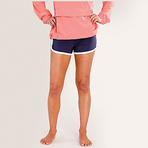 Carve Designs Women's Minna Short DECENT FEATURES of the Carve Designs Women's Minna Short 3in. inseam, 10in. front rise Fitted Built-in brief Back pocket with zip The SPECS 5.9 oz 4-way stretch tricot 82% Nylon / 18% Spandex 50+ UPF Rating - $41.95