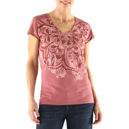 The Life is good(R) Organic Topnotch slub T-shirt features a glorious texture that's sure to please. Made from certified 100% organic cotton for breathable comfort and easy care. Semifitted. - $29.93