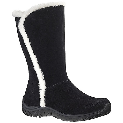 Free Shipping. Patagonia Women's Lugano Waterproof Boot DECENT FEATURES of the Patagonia Women's Lugano Waterproof Boot Waterproof pigskin leather upper 200 grams Prima-Loft Eco insulation provides warmth 200 gram polyester lining and footbed provide warmth, comfort and wick moisture; Faux shearling fleece collar 3mm nylon 6.6 injection molded arch shank provides support under the arch and a natural flex at the ball of the foot 3DF - removable triple density 15% recycled EVA footbed provides cushioning and support specifically for women Patagonia Air Cushion Plus provides shock absorption Protective rubber toe and heel counter provide protection Leaf 15% recycled rubber outsole provides traction and slip resistance with sipped treads Waterproof Construction Shaft Height: 27 cm / 10.6 inches (top of heel to top of boot) Shaft Width/Circumference: 36 cm / 14.2 inches (at top of boot) Medium width, full toe box, medium arch/instep Last characteristics: medium width, medium toe box, medium arch support The SPECS Weight: 1/2 pair: 1 lb 2.9 oz Better Leather Waterproof Construction Prima-Loft Eco Insoles Medium Support/flex Recycled Rubber - $189.95