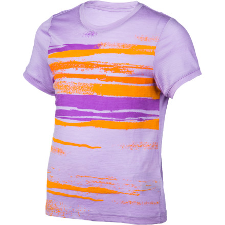 High-tech performance in all-natural comfort gives the Icebreaker Girls' Tech T Lite Shoreline T-Shirt the overwhelming edge in sporty style. Lightweight and super-soft merino wool breathes and insulates to regulate temperature and naturally resists odor. A bold-hued painted graphic is sure to put a bright smile on your little outdoor-lover. - $34.95