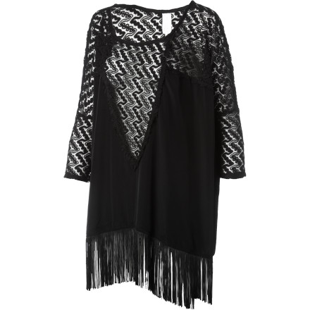 Entertainment Add a touch of elegance to your dress shorts with the L Space Women's Oasis Poncho. Part of L Space's The Collection, the Oasis steps up your wardrope a notch, that the hostess doesn't even bother putting you on a waiting list and quickly escorts you to a table. - $167.95