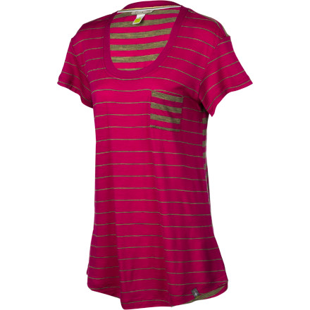 The SmartWool Women's Boyfriend Pocket Short-Sleeve T-Shirt keeps you feeling fresh and relaxed on cool and warm spring afternoons. - $84.95