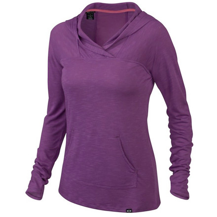 Stretch, warm up, work out, cool down, or simply veg out wearing the Oakley Women's Tiered Top Hooded Shirt. This relaxed hoodie offers anytime comfort but it's not strictly utilitarian, sporting a stylish neckline and a sexy sheer back that transcends the merely practical. - $48.00