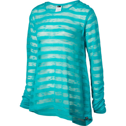 With a tunic length, relaxed fit, and tons of breathability, the Oakley Women's Tech Mesh Tunic Cover-Up feels light as a summer breeze. Stretch and a dropped hem lets you move freely in comfort and added coverage, so you can join in on the volleyball or disc toss. It also helps when sitting on sticky vinyl beach chairs. - $48.00