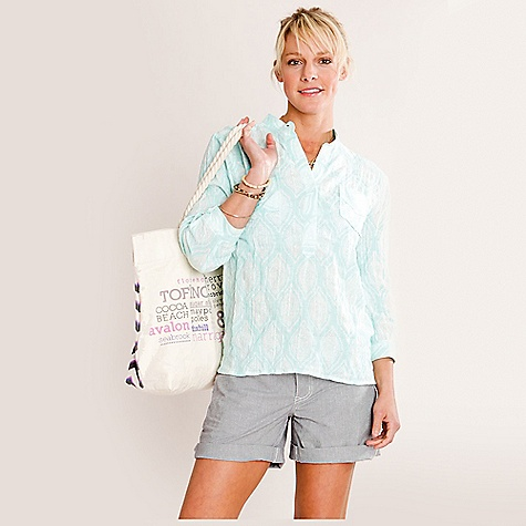 Free Shipping. Carve Designs Women's Dylan Gauze Shirt DECENT FEATURES of the Carve Designs Women's Dylan Gauze Shirt Perfectly disheveled shirt Made of lightweight gauze making it packable for the beach Very relaxed fit Mandarin collar Two chest pockets 3/4 sleeve Machine washable - $51.95