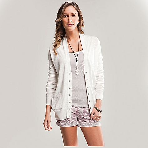Free Shipping. Carve Designs Women's Maddie Button Knit Top DECENT FEATURES of the Carve Designs Women's Maddie Button Knit Top Perfect weight for summer nights This button down knit top is the essential layering piece Snap front closure Relaxed fit with front hand pockets The SPECS 100% cotton knit Machine wash - $79.95