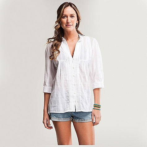 Free Shipping. Carve Designs Women's Savannah Woven Top DECENT FEATURES of the Carve Designs Women's Savannah Woven Top Most relaxed shirt ever Long torso Buttons up front with pintuck detailing Half sleeves Cotton textured voile Machine Wash - $51.95