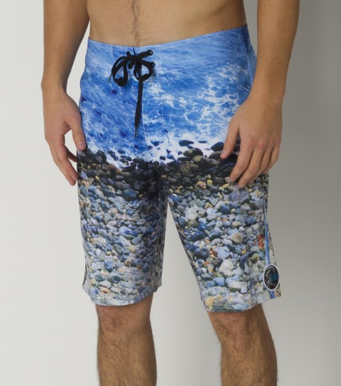 Surf Natuuure!!  That's why we come out here.  Robert Goulet would love you to enjoy the O'Neill Wildlife Boardshorts.  They have the signature Epicstretch; a 20'' outseam; boardshort features; engineered print; superfly 2.0 closure; back flap pocket; woven label and embroidered logos. - $40.99