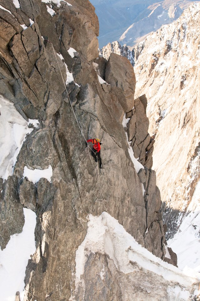 Climbing Kilian Jornet's morning jog up Mont Blanc via the Arête l'Innominata