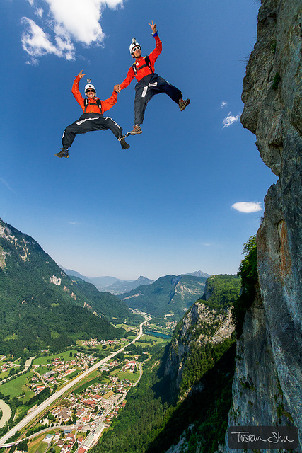 Extreme Tandem base jump with The SoulFlyers Vincent Reffet, Fred Fugen