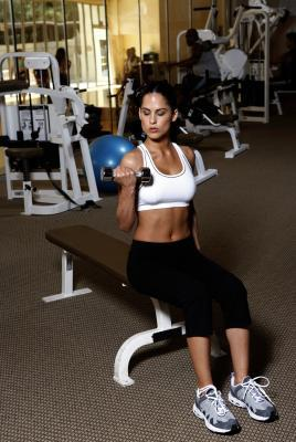 Fitness THE WORLD'S MOST EFFECTIVE WORKOUT ROUTINES FOR WOMEN