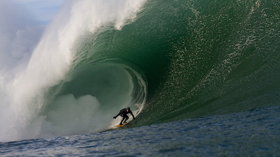 Surf Eric Rebier at Ireland's Mullaghmore Head