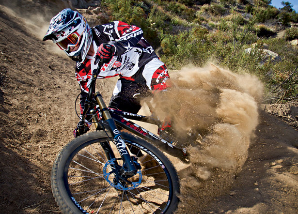 "MTB Aaron Gwin: ""I Did Not Breach Any Contract"".
