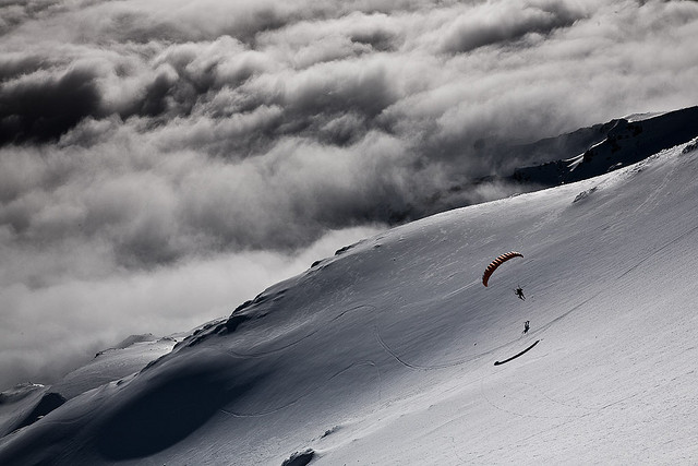 Extreme David Sougey fly down Mt Ruapehu