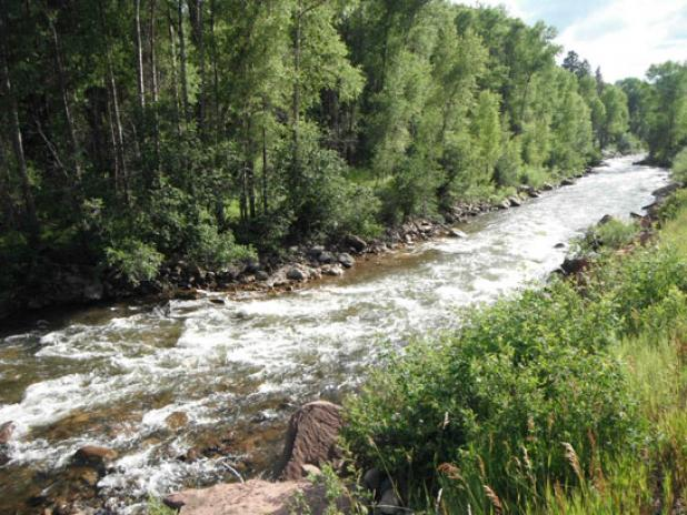 Flyfishing Battle Over Public Access to Rivers Heating Up in Utah.  Article by Kirk Deeter