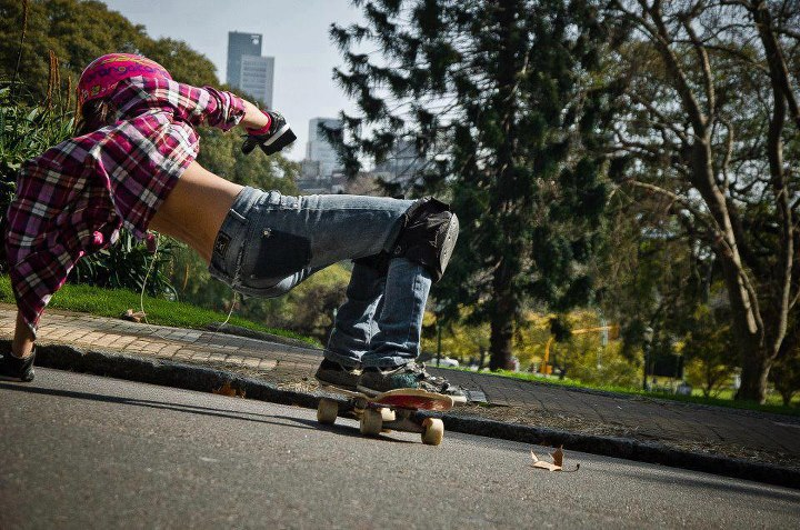 Longboarding LIKE if you prefer a girl in ripped jeans over a model in high heels SHARE if you found one