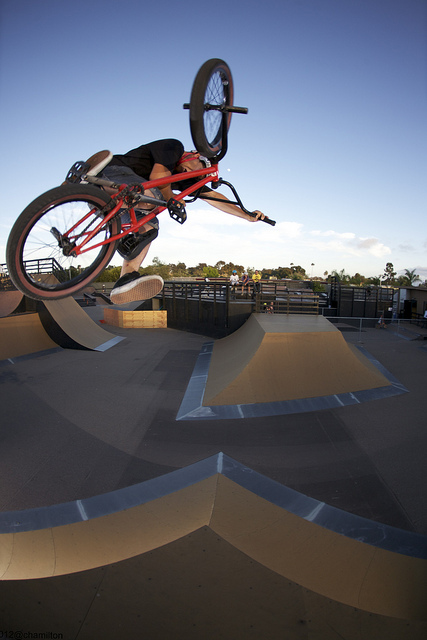BMX Justin Spriet - one foot table