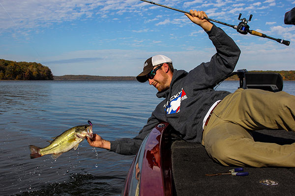 Fishing 4 Tips for Better Crankbait Fishing.  Article posted by Walker Smith on April 29, 2013