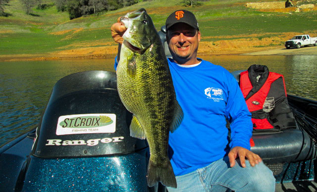 Fishing 10-pound Record Spotted Bass Caught in California.  Article by wired2fish.com posted on March 27, 2013