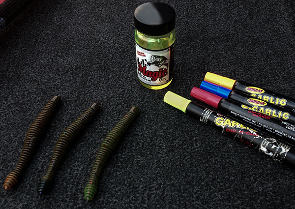Fishing Dyeing Soft Plastic Bass Lures in the Spring.  Article posted by Walker Smith