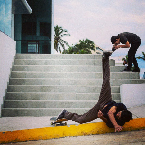 Skateboard Follow @fbskate on Instagram!!! #ouch #skate #for #life #skateboard #bail #street #stairs #caida #dolor #intentarlo #otra #vez