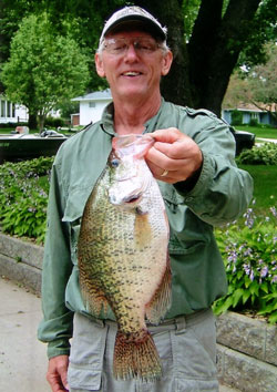 Fishing Where and How to Catch Shallow Summer Crappie.  Article written by Don Wirth