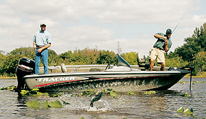 Fishing Catching Hawgs on Top.