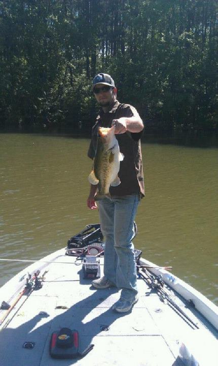 Fishing Kevin Rainey with  Pickwick slaunch!