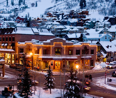 Ski America's Best Ski Towns - With high altitude and low attitude, America's best ski towns offer plenty of fun beyond the slopes.  Article by Kayleigh Kulp