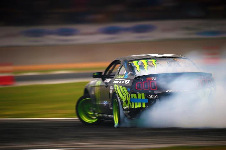 Motorsports Looks like Vaughn Gittin Jr. is turning up the heat at Formula Drift Atlanta!