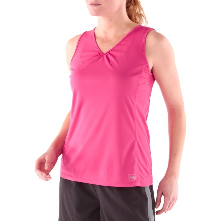 Surf With a flattering, ruched V-neckline and quick-drying performance fabric, the women's plus-size REI Sport Tank Top outfits you for hard-charging workouts and warm-weather walks in your neighborhood. Moisture-wicking brushed polyester fabric offers UPF 50+ protection. Forward-shifted seams are strategically placed for comfort while you move. Overstock. - $13.73