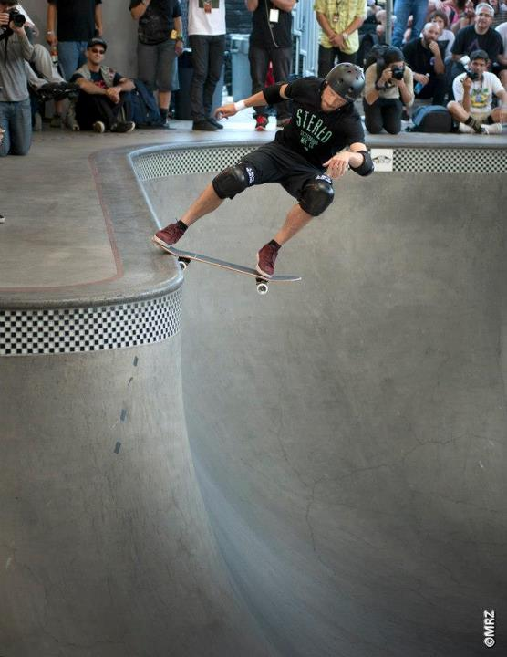 Skateboard Chris Miller - See more at http://vans.com/poolparty - Photo: MRZ